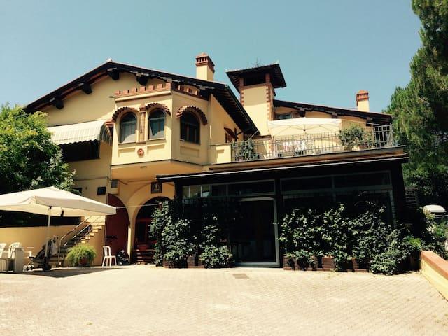 Hilltop Villa - Collesalvetti