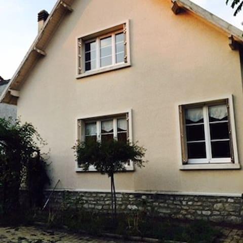 Chambre à 30 mn de Paris - Mantes-la-Jolie - Ev