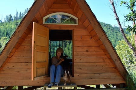 """A-Frame"" Rustic Off-Grid Cabin - Gasquet - Chalet"