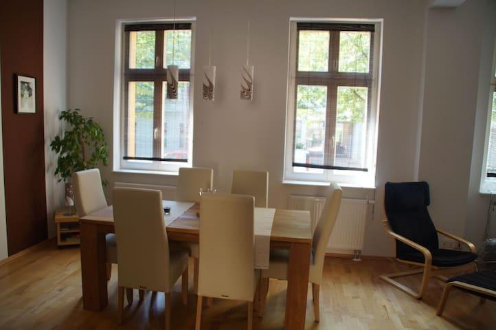 Helle geräumige Wohnung (70m2) - Berlin - Apartment