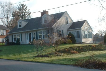 3 rooms with Bath - Williamsport - Casa