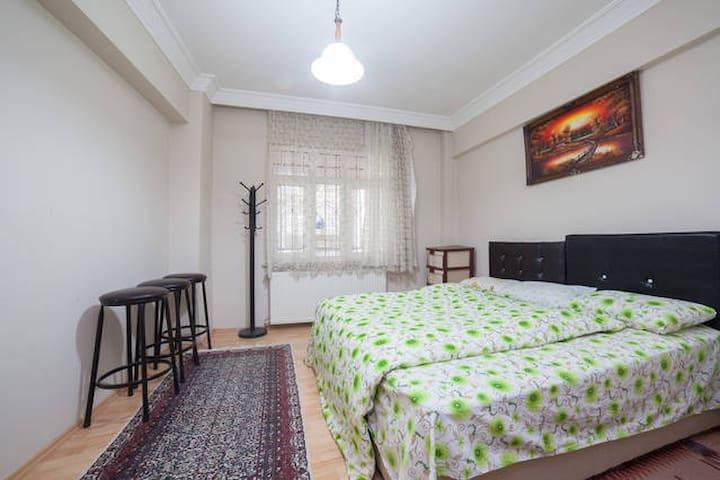 Spacious Cosy Room in İstanbul - Gaziosmanpaşa