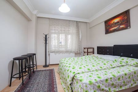 Spacious Cosy Room in İstanbul - Gaziosmanpaşa - Appartement