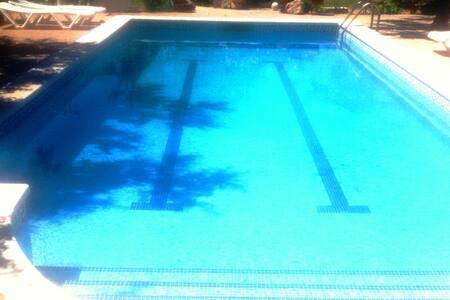 Casa estilo Ibiza piscina 11 per - Reus