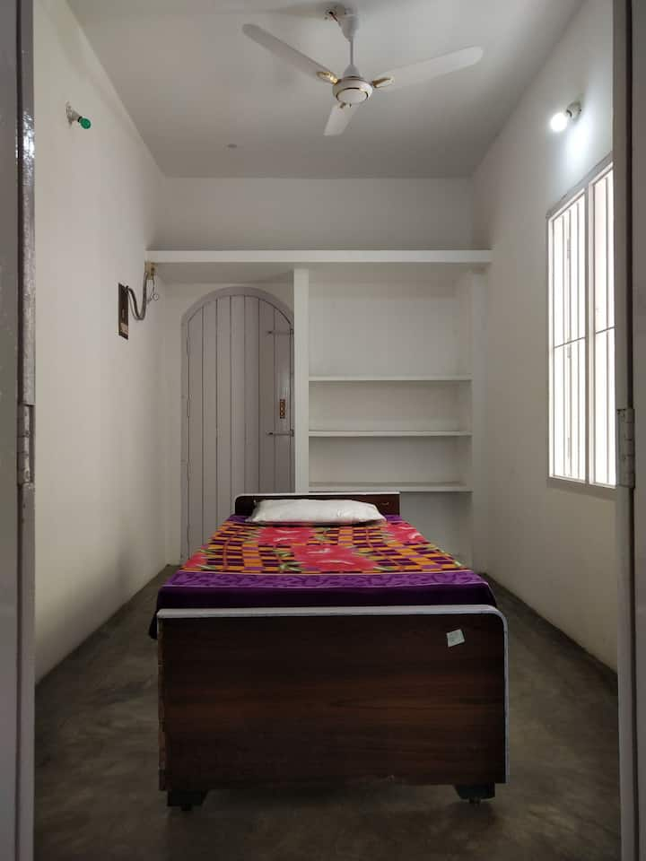 Homely friendly lovely place in Chennai to stay