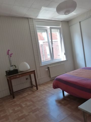 Chambre agr able 8mn gare stade maisons louer for Chambre a louer lille