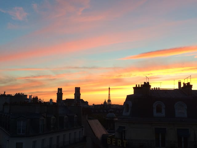 Amazing flat & view, 2min NotreDame - Paris - Apartemen