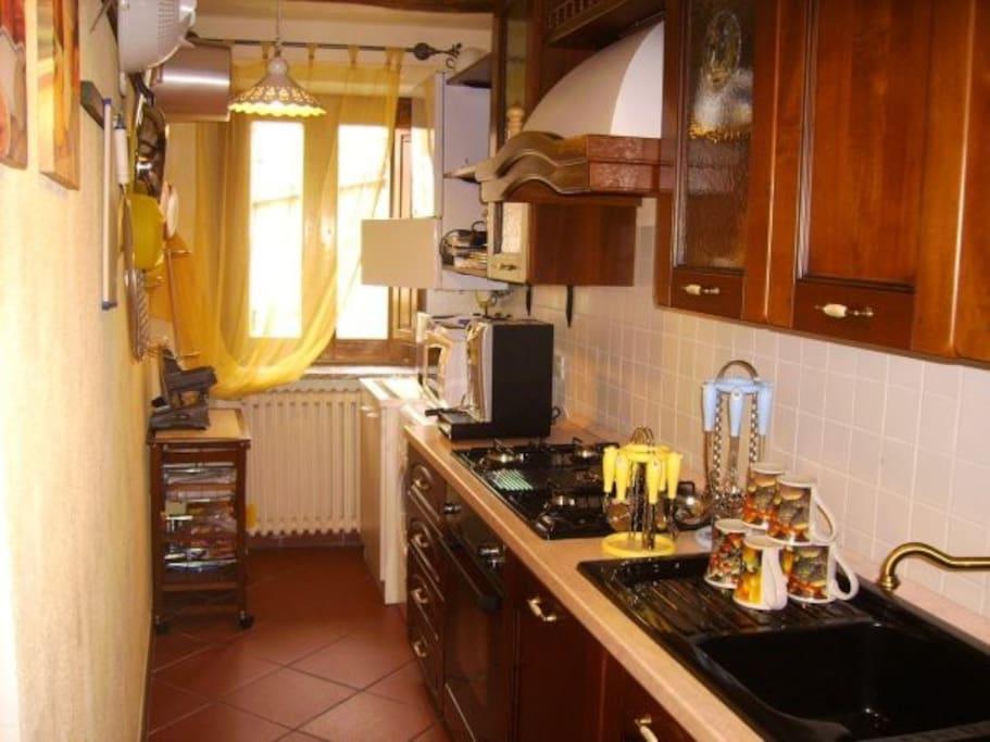 Kitchen of the main house - Cucina della struttura principale