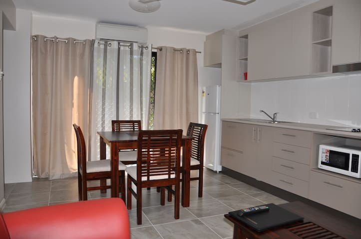One Bedroom Apartment- Minutes from the Waterfront