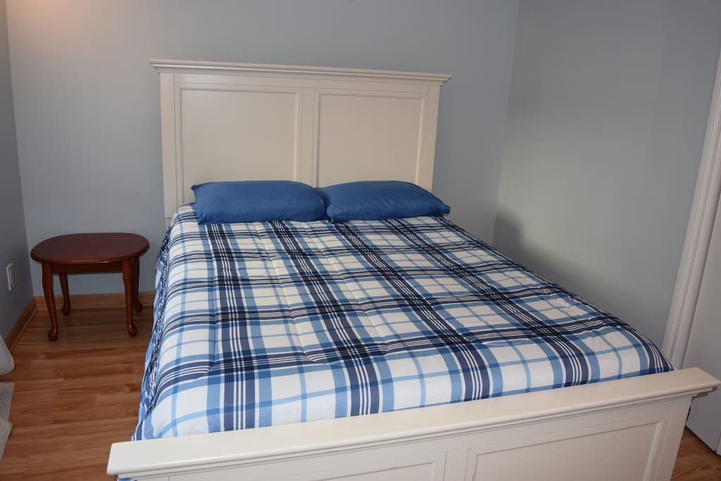 One bed-room, which has a queen-size bed.