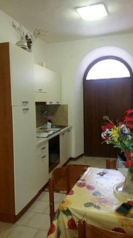 Appartamento  Capodimonte (VT) - Capodimonte - อพาร์ทเมนท์