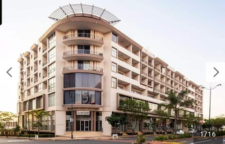 Spectacular 2 bedroom apartment at Gateway
