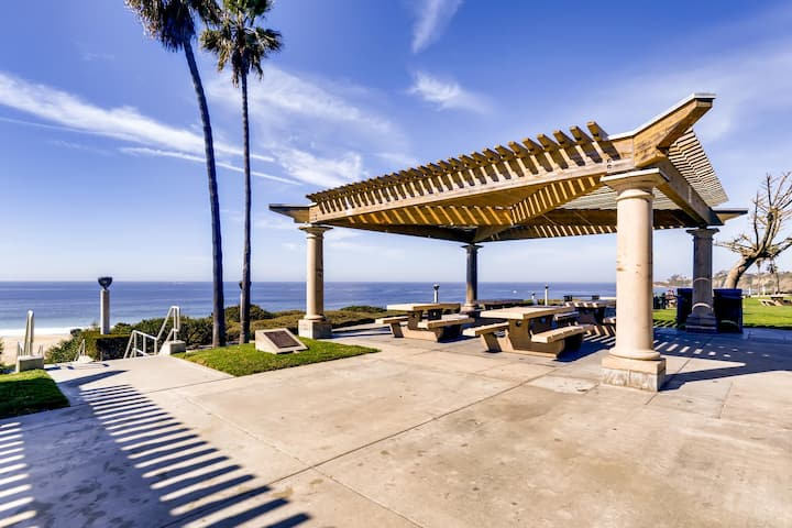 Private Entrance Under The Sea - 2BR/2BATH Next To Ritz Carlton - Walk To Ocean! (MB4)