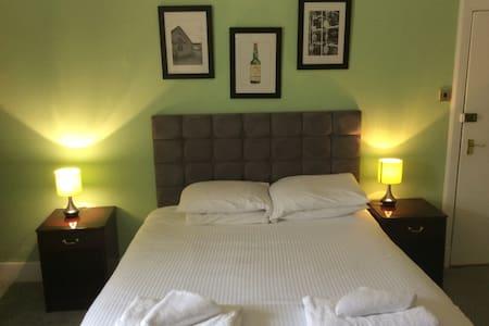Eagle hotel, Dornoch Scotland - Dornoch - Altres