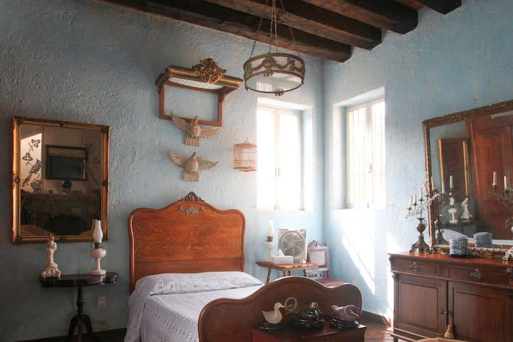 Guest room @ downtown hacienda - クエルナバカ - 別荘