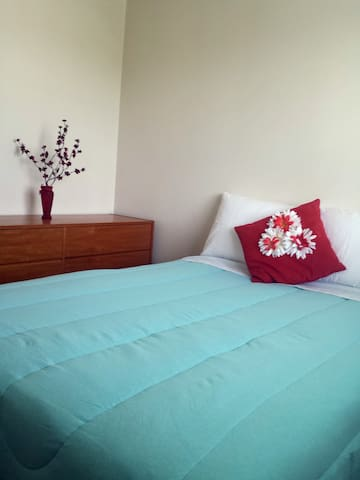 WEEKLY DISCOUNT - Ruby Room 6 mins. From Airport