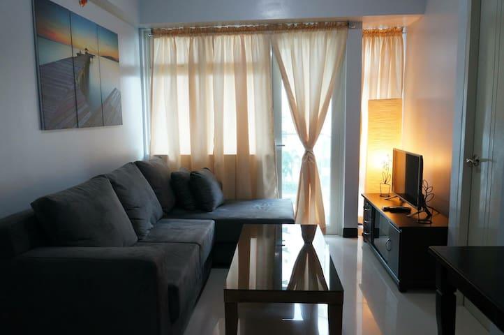 Cozy 2-BR Condo @ Resorts World MNL - Pasay - Apto. en complejo residencial