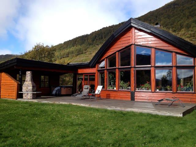 Stort Hus Hovden Breive - Hovden - Casa