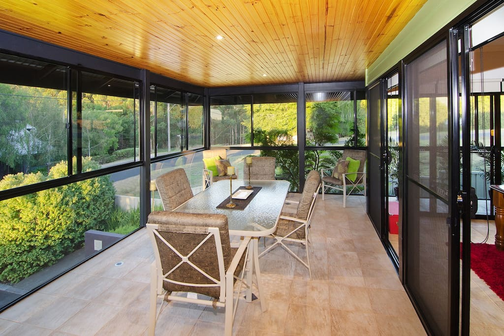 Glassed in Verandah with aircon and heating