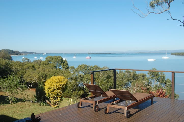 Windsong, a lovely waterfront home - Macleay Island - Casa
