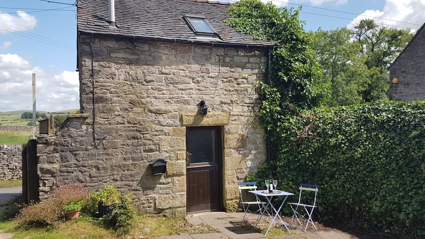 The Gate House, Wetton. Great base for exploring.