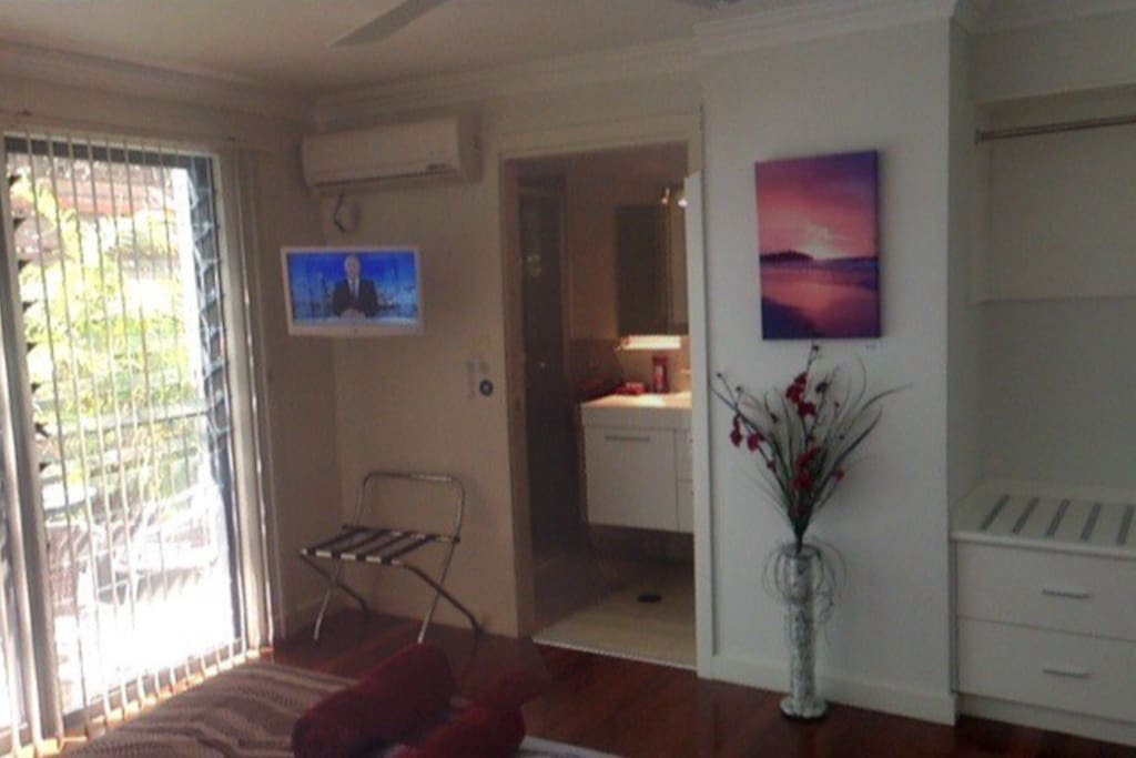 Port unit , queen bed & single bed ,aircon