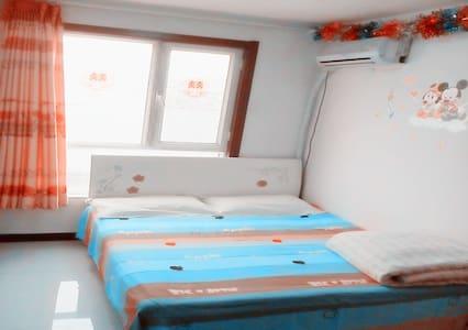 承德避暑山庄附近 心语公寓 全新高层电梯两居室 5人套房 同一单元多套房源 - Chengde - Apartment