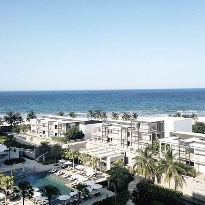 Luxury Ocean View Apt & Free Airport Pickup