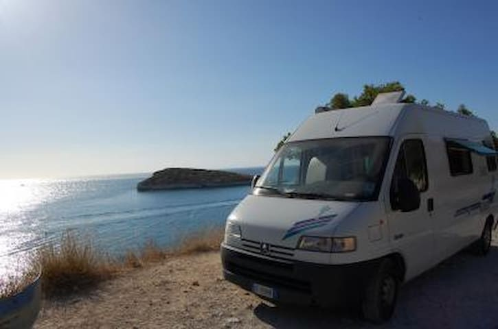 Excellent compact 2p RV in Sweden