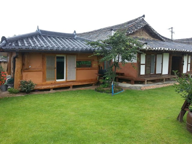 2.은혜당 황토방갈로 (4인실별채) 사진을 왼쪽 밀어보세요 -  Yeongdeog - Cabana