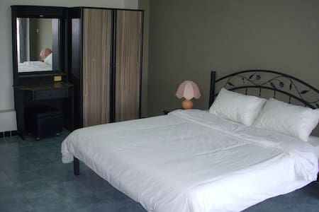 Spacious studio in peaceful Ladprao at T&S 48 Mansion