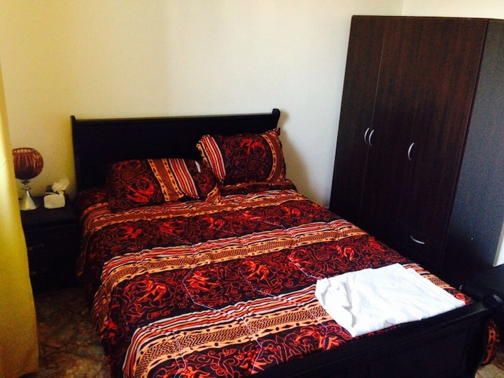 Amazing 2 rooms flat in heart of Ag