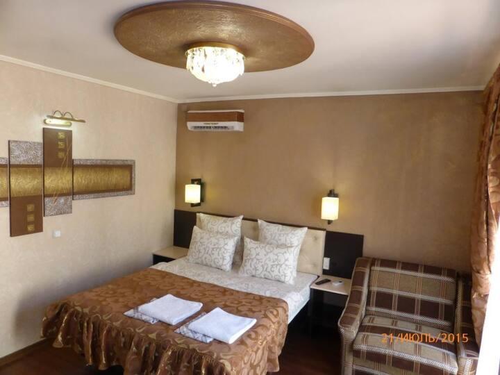 1k.kv.-Mini-Hotel-Odessa Sea