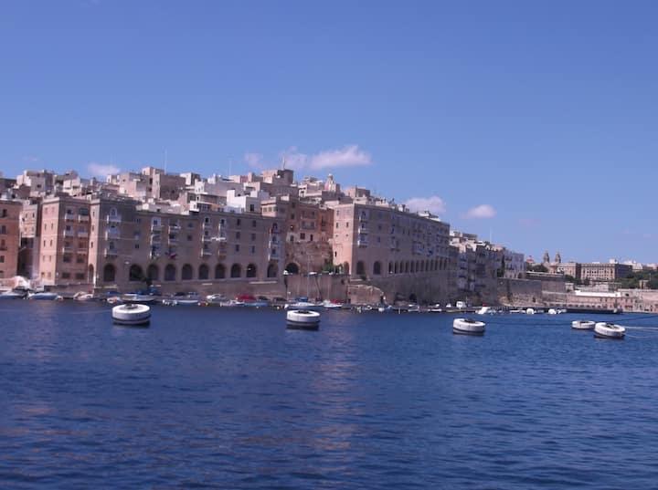 Maison Maltaise au coeur des 3 citées