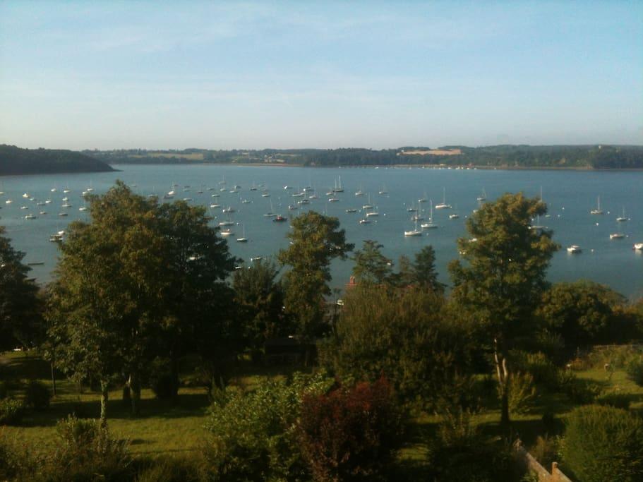 Maison de vacances vue mer rance houses for rent in for Achat maison bretagne vue mer