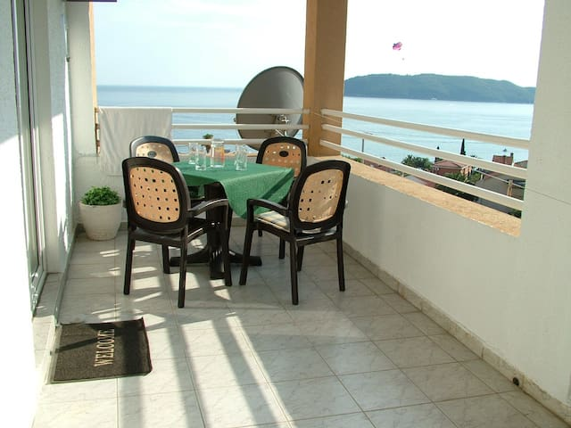 Panoramic view apartment near Budva - Rafailovići - Lägenhet