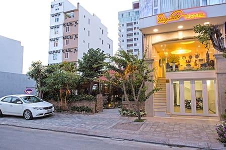 Modern private room ~ My Khe Beach - Da Nang  - Bed & Breakfast