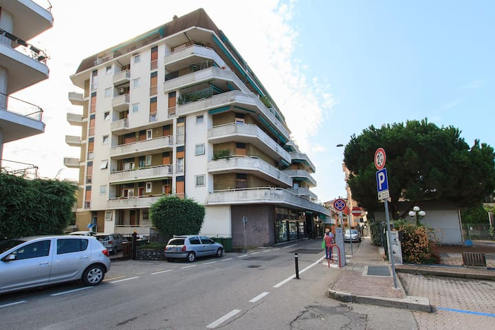Apartment in the City center - Sesto Calende - Leilighet