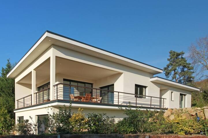 Villa architecte avec piscine 13 Km de Paris