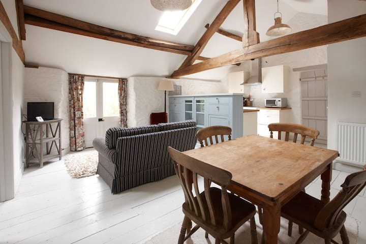 Beautiful Listed Hayloft Conversion - Hook Norton - Apartamento