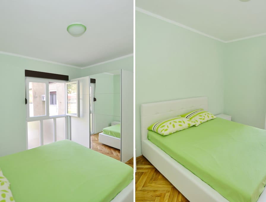 Big double king size bed