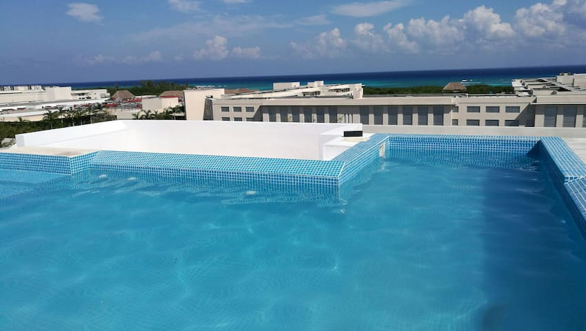 Room near of the sea & roof/ pool w panoramic view - Playa del Carmen - Appartamento