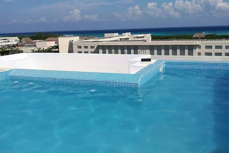 Room near of the sea & roof/ pool w panoramic view - 卡门 - 公寓