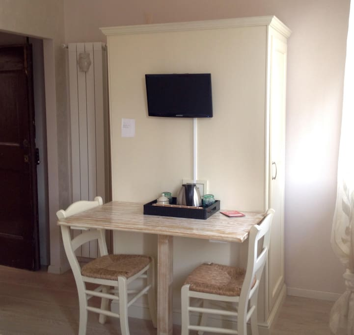DOUBLE ROOM IN DOWNTOWN