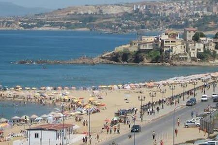 Appartement F4 en face de la mer - Boumerdès, Algérie