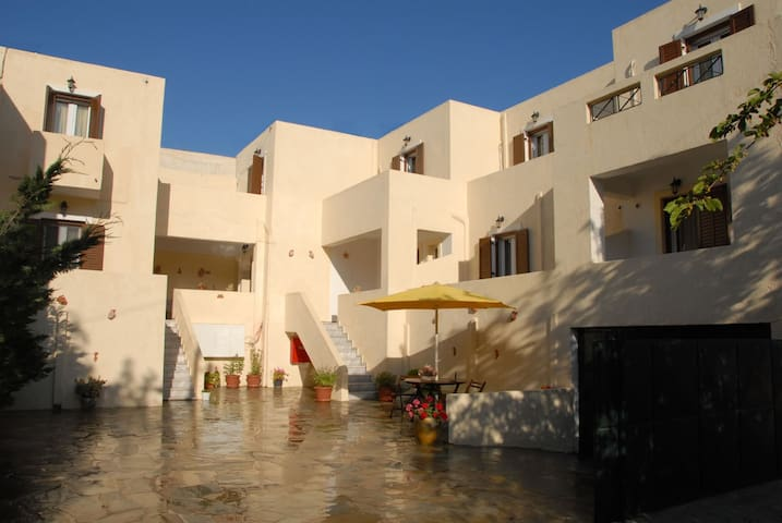 fully furnished 1 bedroom house - Κορησσία - House