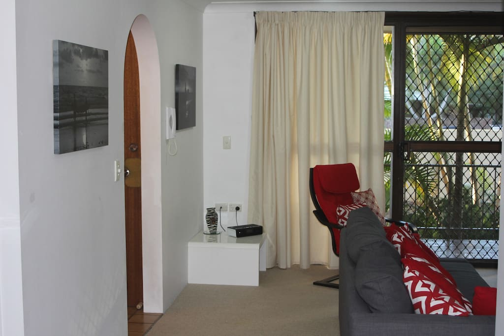 Lounge room (looking towards front balcony)