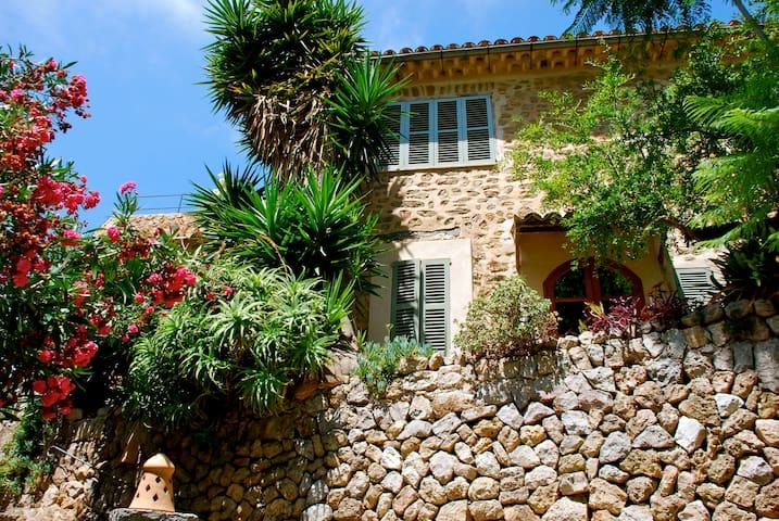 Villa in Centre of Village - Deià - House