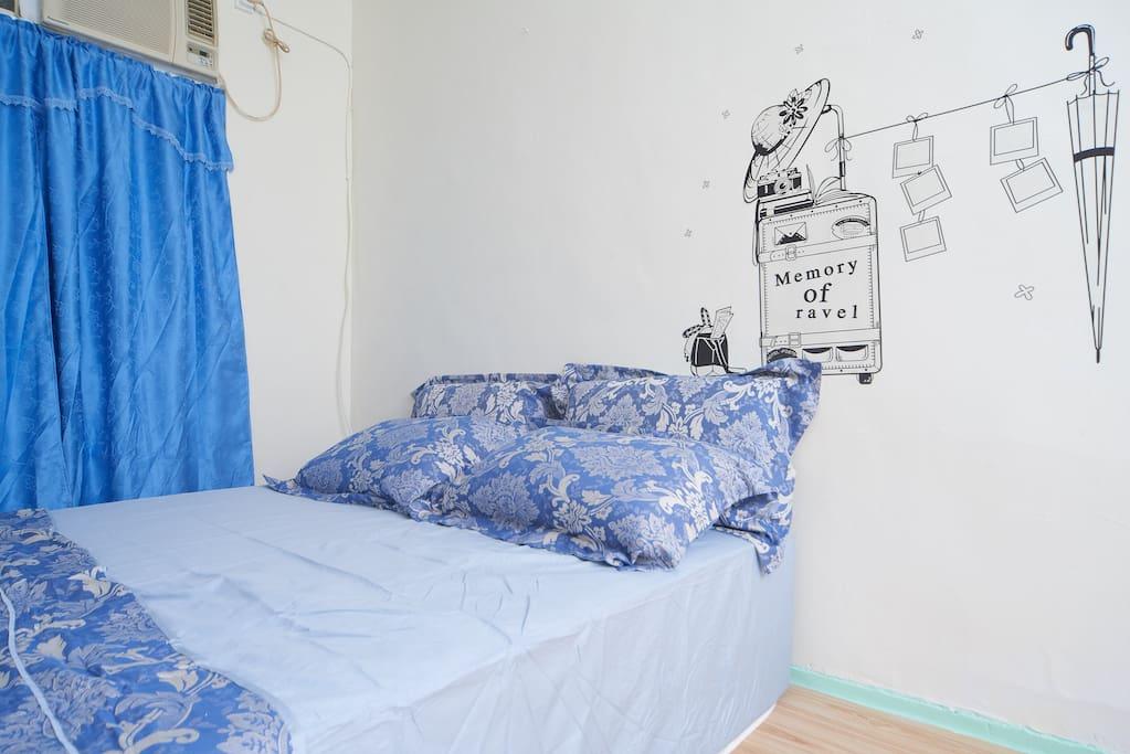 一人或二人,我們提供一張雙人床。