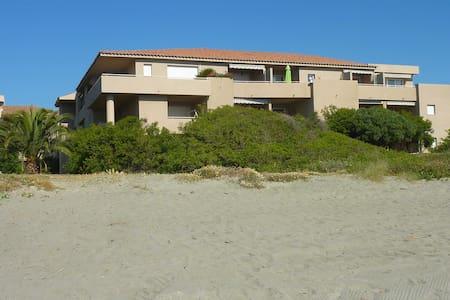 Appartement sur la plage, 3 étoiles - Santa-Lucia-di-Moriani - Huoneisto